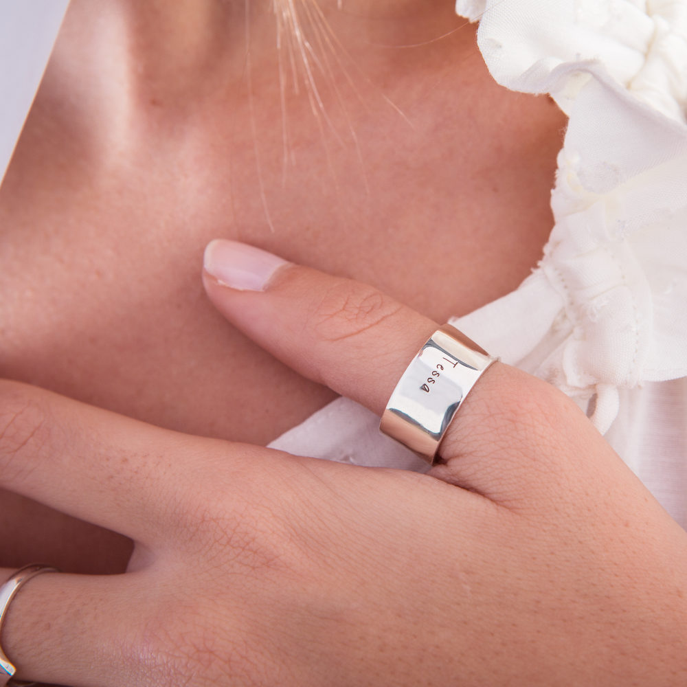 Wide Band Ring 10mm-photoshoot-lifestyle