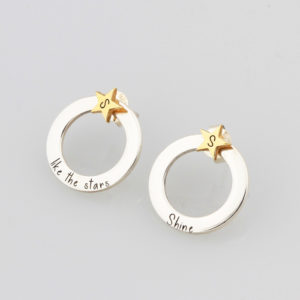 Hoop and stae stud earrings Silvery.