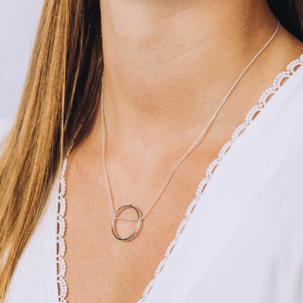 Ring Chain Necklace - Perspective Image